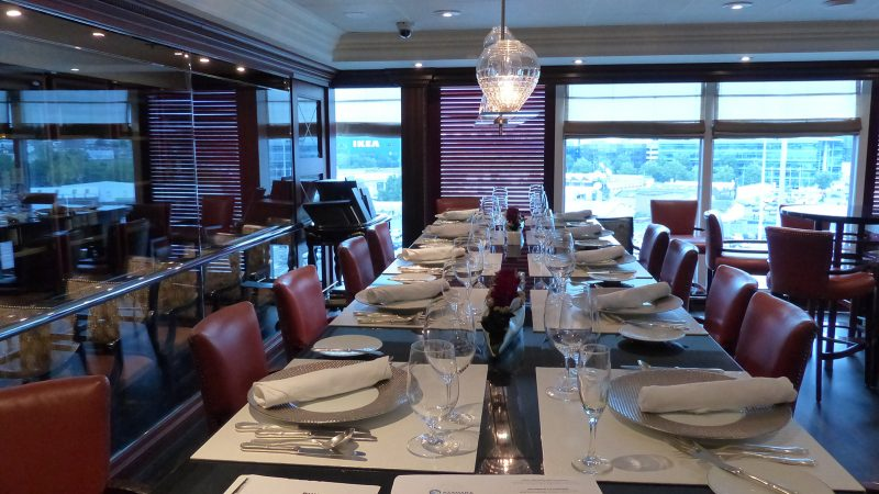 Azamara: Dining area